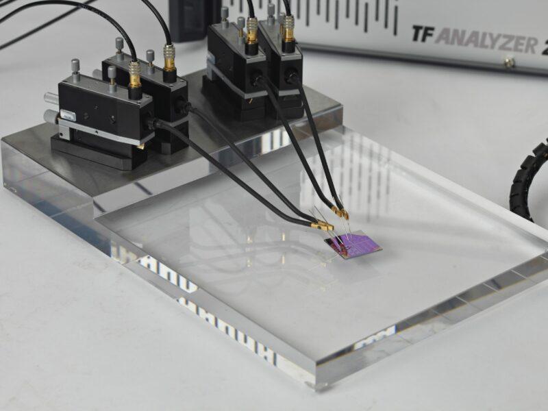 Grundplatte mit vier Positionern