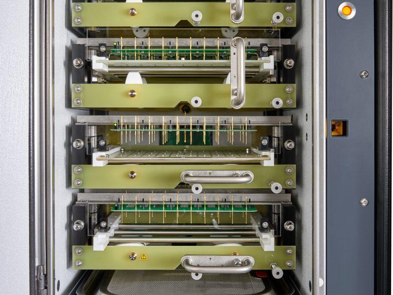 Klima- und Burn-In-Testsystem (CBS) mit vier unabhängigen Klimakammern
